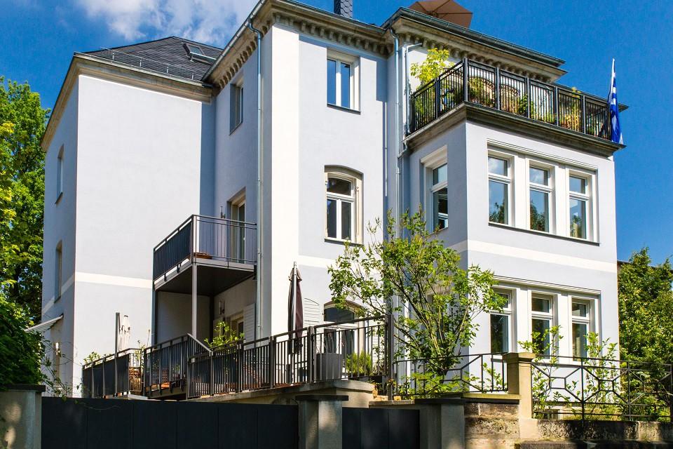 FIRA® Bau - blaues Haus