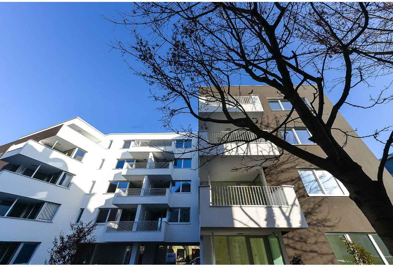 Feng-Shui Haus mit Balkone